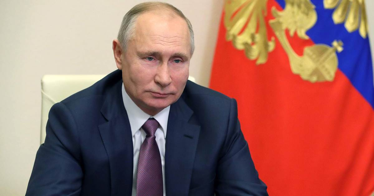 Putin targets U.S. social media, secret agent leaks and protests with new laws