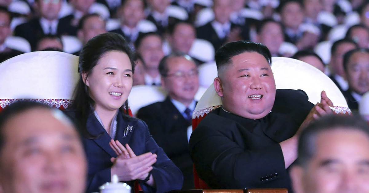 North Korean leader Kim Jong Un's wife re-appears after a year's absence
