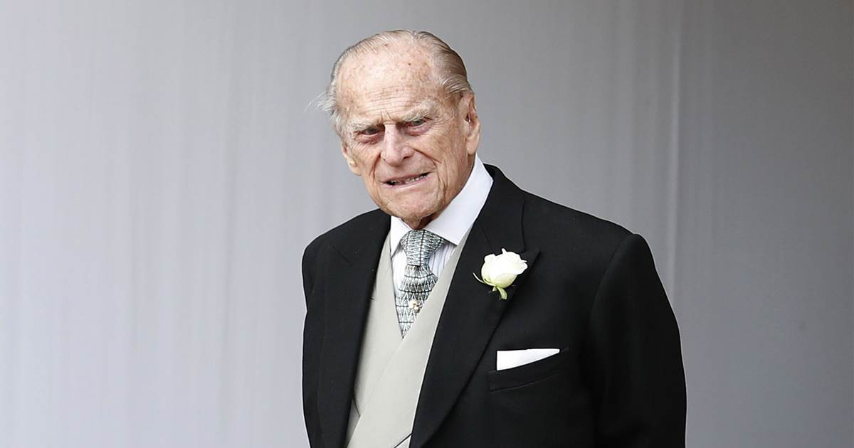 Prince Philip transferred to another hospital to treat infection